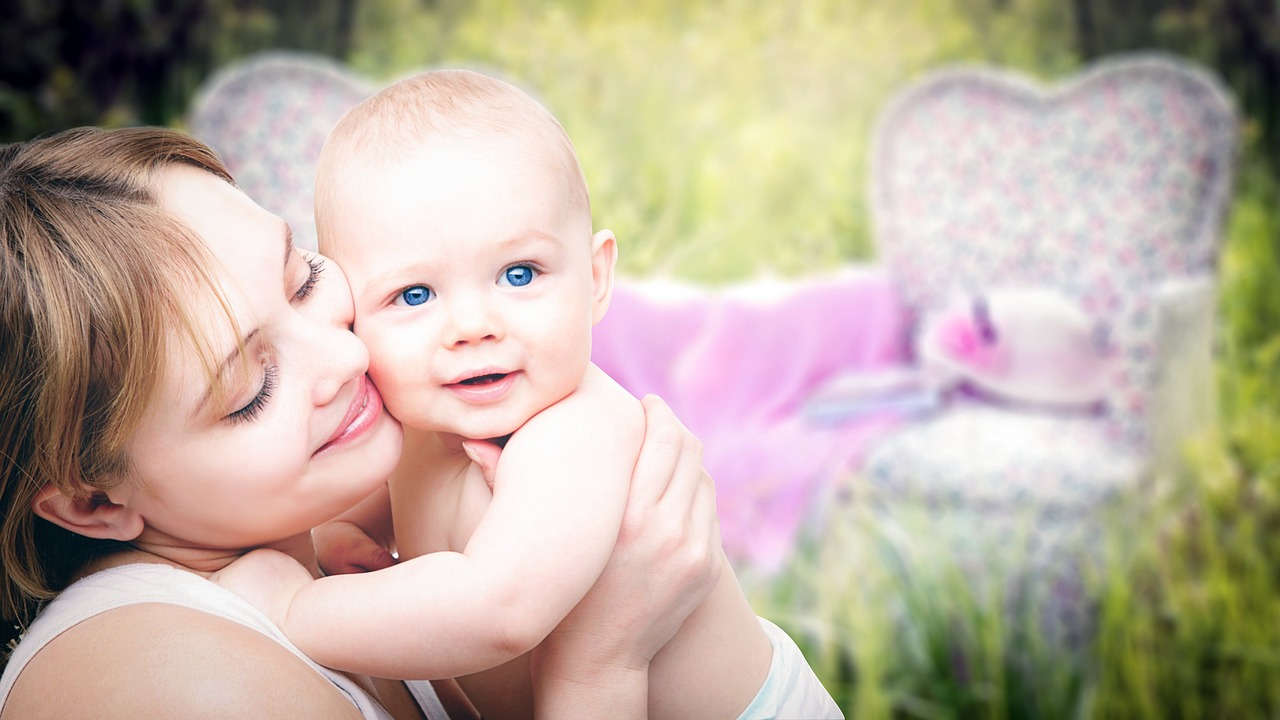 All About the Holistic Moms Network